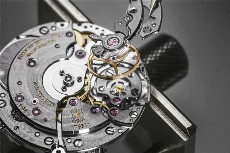 天梭服务中心手表维修需要同保卡一起