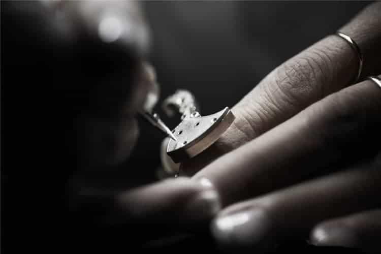 江诗丹顿手表保养手表维护一次多少钱